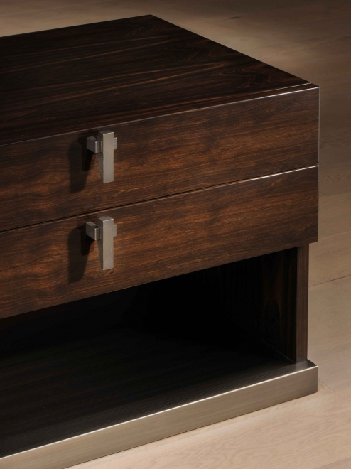 DRESSERS AND NIGHSTANDS