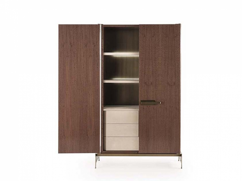 Her with drawers
